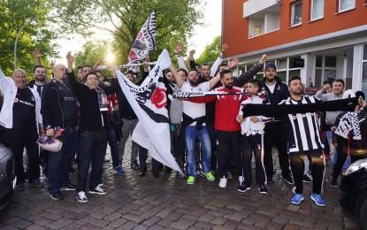 Beşiktaşlılar Şampiyonluk sevincini Hamburg sokaklarında kutladı