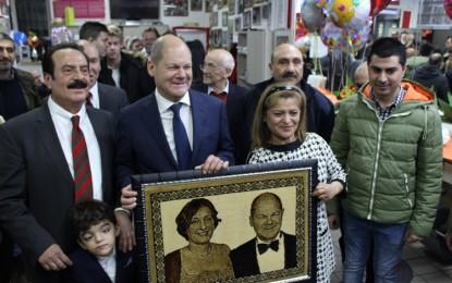 Algan Kuaför 35. Yılını Başbakan Olaf Scholz ile kutladı