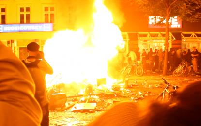 Hamburg'da G20 Savaşları… Sternschanze alev alev… REWE ve Budni yağmalandı…