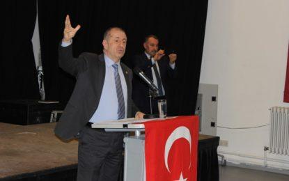 """Ümit Özdağ, Hamburg'da konuştu: """" Türkiye'ye Tek Adam Rejimi Hakim olmuş"""" İZLE"""