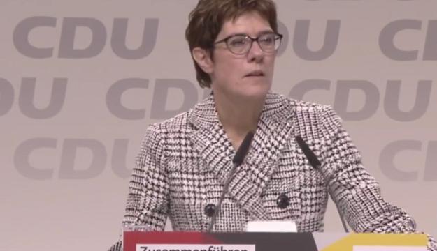 Merkel gitti! Peki kim bu Annegret Kramp-Karrenbauer?